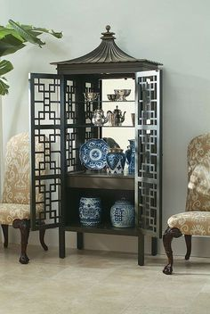 Chinoiserie Curio Cabinet