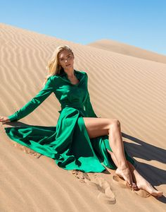 Stand out with solid bold colors—as shown against the Glamis sand dunes Silk Dress, Wrap Dress, Leather Camera Bag, Valley Girls, Merino Wool Sweater, Bold Colors, Spring Fashion, Beautiful Women, Senior Pics