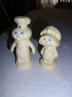 Pillsbury Dough Boy 1974 Poppin' Fresh Hard Plastic Salt & Pepper Shakers $10.00