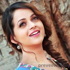 Bhavana Latest wallpapers Wallpapers) – Wallpapers For Desktop Indian Actress Images, South Indian Actress, Indian Actresses, Bhavana Actress, Indian Natural Beauty, Malayalam Actress, Most Beautiful Indian Actress, India Beauty, Hairstyle