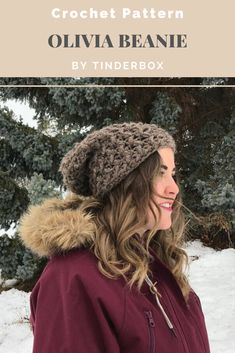 Chunky weight yarn (Lion Brand Thick and Quick) works up super quickly to make this cozy beanie. Great for selling at craft shows! Crochet Beanie Hat, Beanie Pattern, Knit Hats, Beanie Hats, Crochet Designs, Crochet Patterns, Crochet Fall, Lion Brand, Crochet Accessories