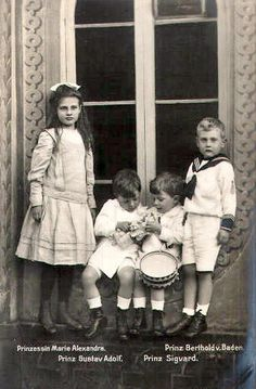HRH Princess Marie Alexandra of Baden (left) with her brother Berthold (right) and their swedish cousins Prince Gustaf Adolf and Sigvard in the middle