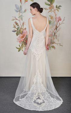 Claire Pettibone 'Florentine' wedding gown | Decoupage Collection | Photo: Anton Oparin