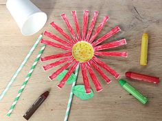 Bloemen knutselen – 30+ Leuke ideeën om bloemen te maken   Lady Lemonade Plastic Cutting Board, Crafts For Kids, Triangle, Projects, Diy, Van Gogh, Spring, Insects, Craft Work