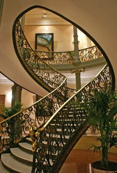 Luxury Staircase, Grand Staircase, Exterior Design, Interior And Exterior, Interesting Buildings, Stairway To Heaven, Construction, Stairways, Architecture Details