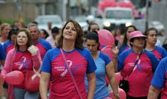 Caminhada chama atenção para a prevenção do câncer de mama
