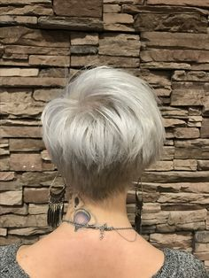 Pixie cut pixie hair cut white pixiecut white hair platinum pixie platinum pixie cut short pixie long pixie ice white hair ice white pixie silver hair grey hair pixie 360 pixie ideas pixie haircut ideas short hair ideas short haircuts rayahope raya Coleman