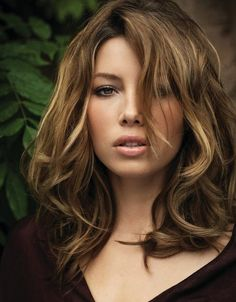 Jessica Biel Medium Length Hairstyle: Haircut with Curly Side
