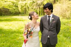 origami bouquet, bride and groom portrait photojournalism wedding, JayLee Photography
