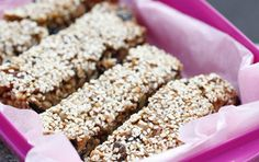 Food N, Food And Drink, Baking Recipes, Cake Recipes, Health Bar, Swedish Recipes, Energy Bites, Protein Bars, Raw Vegan