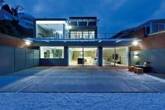 Architecture›Sustainable House Design Paying Tribute to Modern Technology in Hong Kong  Read more:http://freshome.com/2014/09/07/sustainable-house-design-paying-tribute-to-modern-technology-in-hong-kong