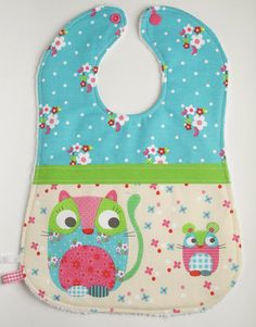 Cat and Mouse Bib with flowers turquoise fuchsia par MlleKameleon