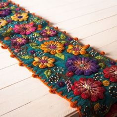 Mexican Embroidery, Silk Ribbon Embroidery, Crewel Embroidery, Embroidery Patterns, Crochet Patterns, Wool Applique, Fabric Jewelry, Felt Crafts, Handicraft