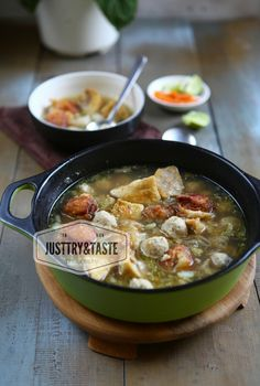 Resep Cuanki Vegetable Curry, Beef And Noodles, Malaysian Food, Vegetarian Soup, Food Tasting, Big Meals, Food Bowl, Slow Cooker Soup, Savory Snacks