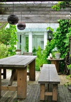 Don't be tempted to overspend when creating the perfect outdoor space. The large backyard landscaping ideas can get costly quickly if you're not careful. Outdoor Living Rooms, Outdoor Dining, Outdoor Tables, Outdoor Decor, Dining Area, Dream Garden, Home And Garden, Outdoor Areas, Garden Furniture