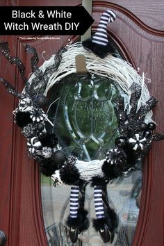 elegant halloween decor Black and White Witch Wreath DIY. Make your own witch wreath for Halloween this year using these easy step-by-step tutorial instructions. This monochroma Witch Wreath, Diy Wreath, Grapevine Wreath, Scary Decorations, Diy Halloween Decorations, Outdoor Halloween, Halloween Diy, Halloween Wreaths, Halloween 2020