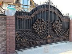 48 Steel Gate Design Idea is Perfect for Your Home - decortip House Main Gates Design, Fence Gate Design, Steel Gate Design, Front Gate Design, Door Design, Metal Gates, Wrought Iron Gates, Front Gates, Entrance Gates