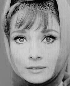 Audrey Hepburn. Simplistic beauty