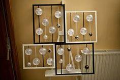 Plan de table, bulles et bouts de ficelles, voir dans un ballon transparent, insérer le papier( si vous y arrivez,évidement ce n'est qu'une idée)