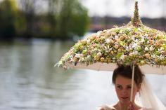Flower umbrellas. Spring composition from an umbrella - Цветочный зонтик. Весенняя композиция из зонтика (87) (580x387, 243Kb)