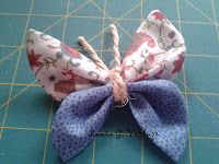 de-labuela: Tutorial Broche mariposa Fabric Butterfly, Fabric Flowers, Crafts To Do, Felt Crafts, Sewing Crafts, Sewing Projects, Diy Couture, Fabric Scraps, Headbands