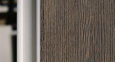 Meble drewniane nadają wnętrzu ciepła i naturalnego wdzięku. Jeden z detali w meblach na wymiar.