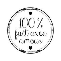 Tampon bois 'Artemio' Rond 100 % Fait avec amour Silhouette Portrait, Silhouette Cameo, Tampons, Scan N Cut, Quilt Labels, Diy Scrapbook, Decoupage, Messages, Gift Wrapping
