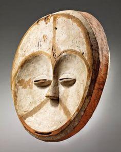 Mask Kwele, Pibud a Kwele Mask, Gabon Tribal African, African Tribes, African Art, Tristan Tzara, Black History, Art History, Equatorial Africa, African Sculptures, Art Premier