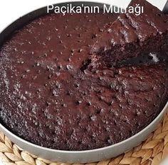 Islak Kek Tarifi - Mutfakgram - - Yemek Tarifleri - Resimli ve Videolu Yemek Tarifleri Mini Desserts, Cakes Originales, Cake Recipes, Dessert Recipes, Tiramisu Dessert, Vegetable Drinks, Yummy Cakes, Chocolate Cake, Bonbon