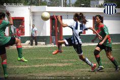 El Fútbol Femenino de Talleres sigue sumando triunfos Club Atlético Talleres  El equipo Femenino de Talleres venció a Argentino Peñarol por 2 a 0 en el Trampero de Argüello. El cotejo perteneció a la decimoséptima fecha de la Fase Clasificatoria del Torneo Oficial de la Liga Cordobesa.  En la primera etapa tanto el Albiazul como el local compartieron el dominio del balón y ambos tuvieron chances de ponerse al frente en el marcador a través de remates a distancia.  De uno de esos disparos a…