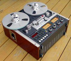 In diesem Beitrag findest Du ausführliche Informationen, Bilder und technische Daten über die analoge #Mastermaschine - #STUDER A810. Radios, 1980s Boombox, Hi Fi System, Magnetic Tape, Recording Equipment, Tape Recorder, High End Audio, Hifi Audio, Audiophile