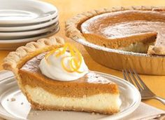 Cheese-Sweet Potato Pie Cheesecake meets sweet potato pie in a creamy dessert that's made easily with a frozen pie crust.Cheesecake meets sweet potato pie in a creamy dessert that's made easily with a frozen pie crust. Brownie Desserts, Köstliche Desserts, Delicious Desserts, Dessert Recipes, Dinner Recipes, Sweet Potato Cheesecake, Pumpkin Cheesecake, Cheesecake Pie, Sweet Potatoe Pie