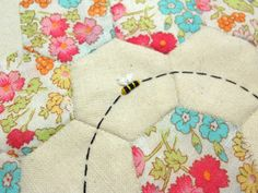 little bee - wouldn't this be cute on the quilt for a little girl's bed?