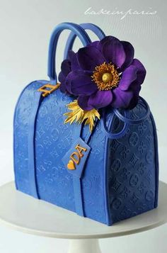 Beautiful blue Purse cake. Love that flower!