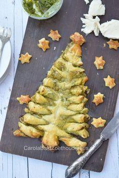 Hartige pesto kerstboom van bladerdeeg