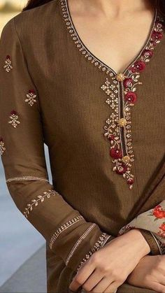Best 12 Beautiful Hand Embroidery with superb placement and detailing. Embroidery On Kurtis, Hand Embroidery Dress, Kurti Embroidery Design, Embroidery On Clothes, Couture Embroidery, Embroidery Fashion, Embroidery Patterns, Embroidery Stitches, Dress Neck Designs
