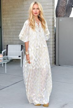 Rachel Zoe in a white patterned caftan - click ahead for more summer outfit ideas for when it's really, really hot
