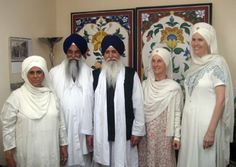 Leaders in the Ministry of Sikh Dharma International visit with Indian Dignitaries | Sikh Dharma International