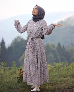 hijab dress Modest Maxi Dresses With Sleeves. hijab dress Modest Maxi Dresses With Sleeves… Modest Maxi Dress, Maxi Dress With Sleeves, The Dress, Dress Casual, Casual Chic, Hijab Outfit, Hijab Dress, Muslim Fashion, Modest Fashion