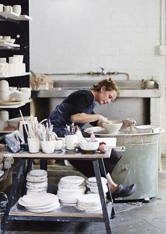 Sophie Harle of Shiko Ceramics Dream- to have a home pottery studio someday. Sophie Harle in her Brunswick home studio. Clay Studio, Ceramic Studio, Ceramic Clay, Ceramic Pottery, Porcelain Ceramic, Slab Pottery, Pottery Wheel, Pottery Vase, Ceramic Bowls