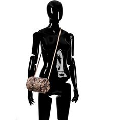 Shop now fashion leather bags. Here you can find gorgeous designer leather bags and limited edition accessories for women. Leather Bags Handmade, Luxury Bags, Wearable Art, Leather Handbags, Cross Body, Print Design, Crossbody Bag, Tube, Glamour