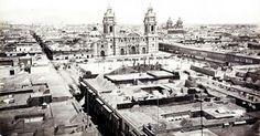 Vista amplia de la plaza de armas . Foto de Lima Antigua