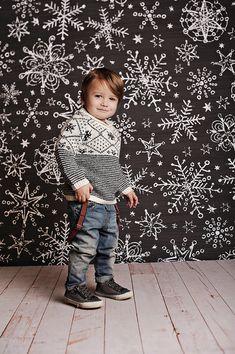 Snowflake Chalk Photo Backdrop // Polypaper Photography Backdrop // SIZES: 5'x5', 5'x6', 5'x7', 5'x8' //