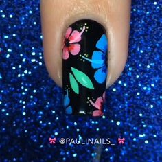 Good morning!  - As requested! I did a tutorial for my flower mani inspired by @nails.by.teens. - Products used were listed on the original photo. - I hope you like it! ✨ - - - - - -  The Ballad of Mona Lisa - P!ATD.