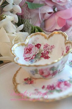 Gorgeous! I think you would have to be careful drinking out of this tea cup due to the fluted edge