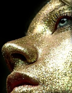 gold glitter- I need yo do this in A- level... it's happening!