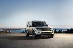 Land Rover Unveils Discovery Landmark and Graphite Editions