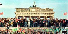 PUEBLA REVISTA: 25 años de la caída del Muro