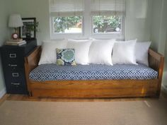 maybe the best DIY daybed couch I've seen.  Use old couch foam-cushions and make cover