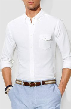 Minimalist men's style: Oxford Cloth Button Down